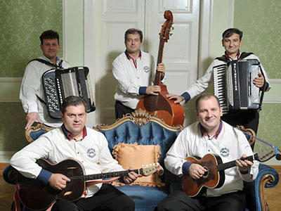 tamburaski-orkestar-adio-002